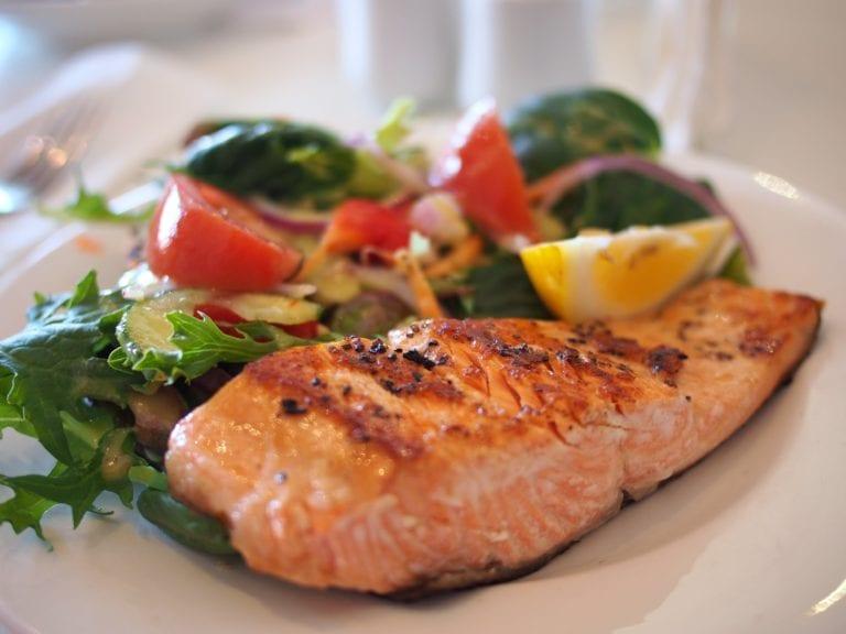 15 Food Alternatives to Protein Shakes